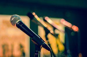 מיקרופון לדיבור מול קהל